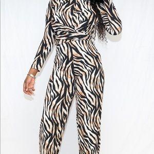 Long sleeves animal print jumpsuit